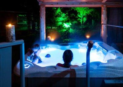 Wilderness lodge hot tub
